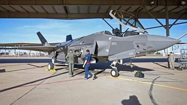 Американские истребители F-35 приземлились в Эстонии