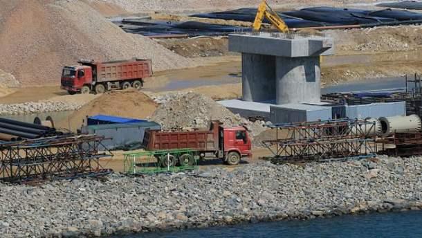Будівництво у Криму зупинилось