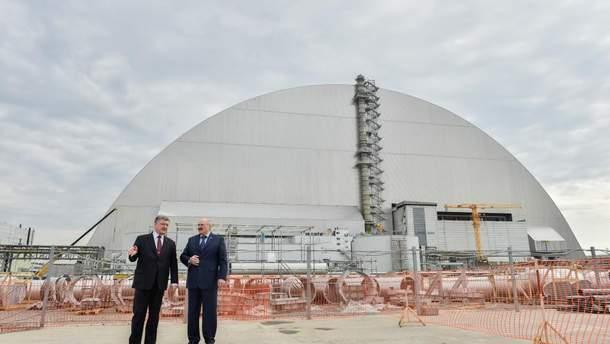Олександр Лукашенко разом з Петром Порошенком відвідали ЧАЕС