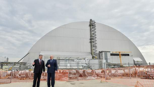 Александр Лукашенко вместе с Петром Порошенко посетили ЧАЭС