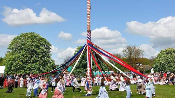 На травневі свята в Європа проходть різні фестивалиті