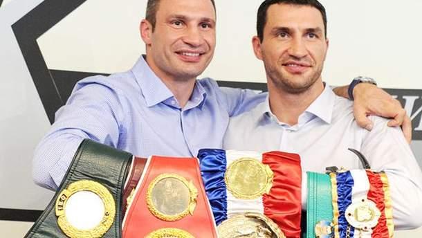 Віталій Кличко підтримав Володимира Кличка перед боєм з Ентоні Джошуа