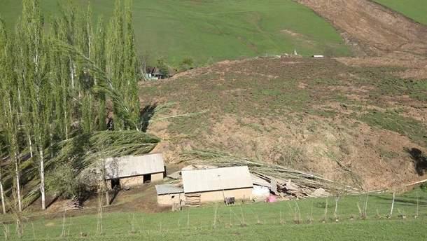 Зсув  ґрунту в Киргизстані