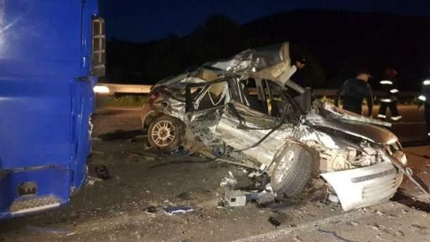 Фото с места аварии на Закарпатье