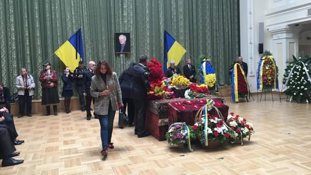 Похорони Бориса Олійника