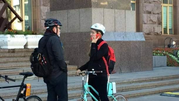 Супрун говорит, что велосипед ей подарил муж