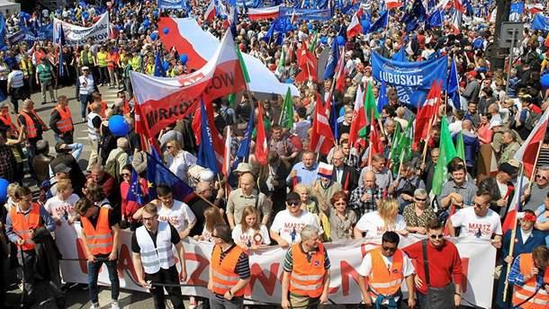 Масові протести у Варшаві