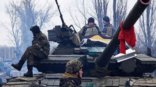 Бойовики повертають військову техніку на свої позиції