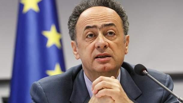 Хьюг Мингарелли поздравил Украину с получением безвизового режима с ЕС