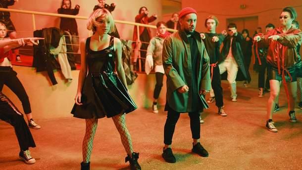 Monatik в новому танцювальному кліпі