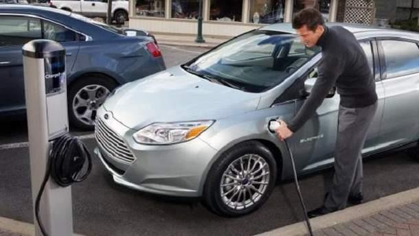 Їздити на електромобілі бюджетніше, ніж на бензиновому
