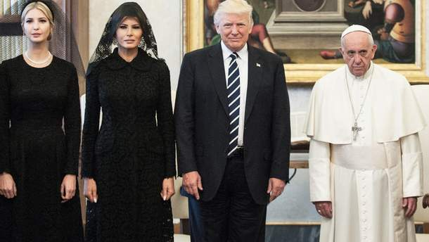 Спільне фото Дональда Трампа та Папи Франциска у Ватикані