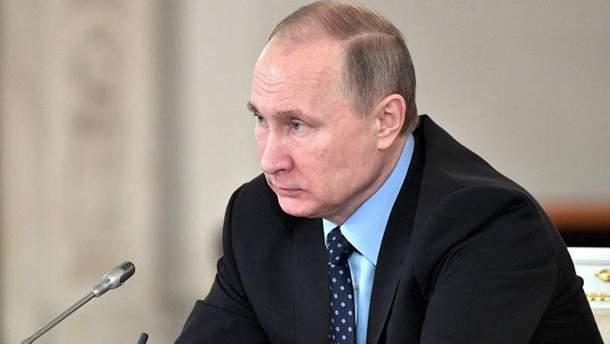 Володимир Путін їде до Франції