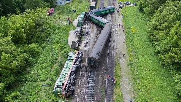 Наслідки аварії поїздів на хмельниччині