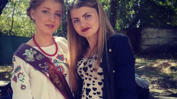Випускниця у Криму одягла вишиванку