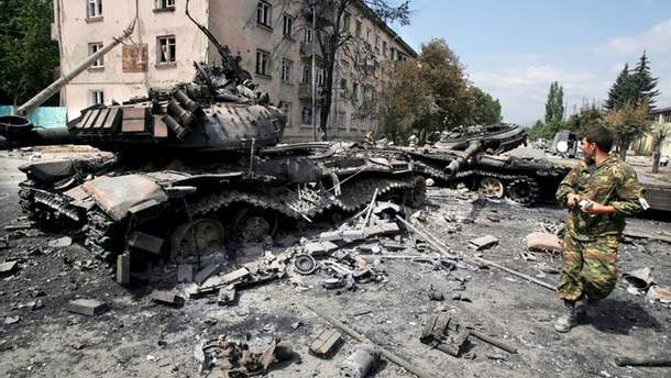 Кремль обстрілює житлові квартали, щоб змусити Київ визнати Донбас