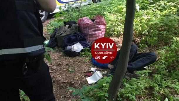 В Києві знайшли повішеним хлопця