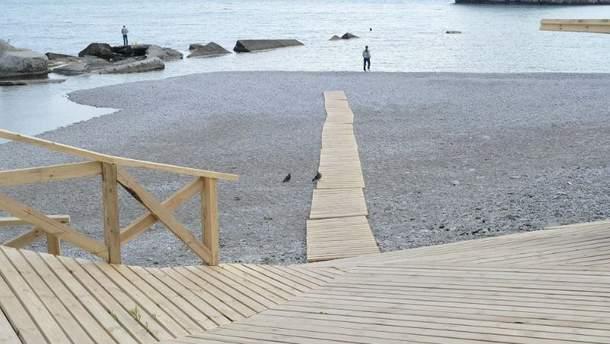 Пляж в оккупированном Крыму (Симеиз)
