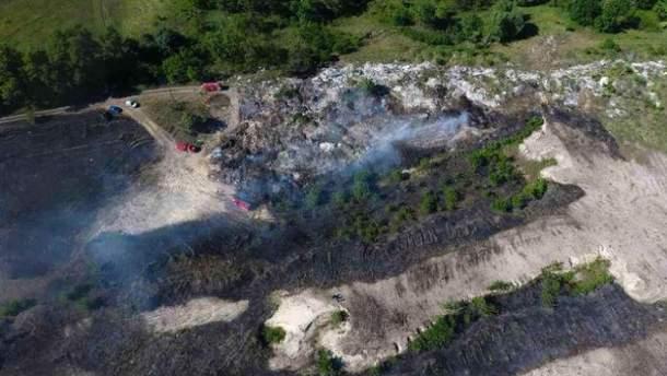 Пожар на свалке В Киевской области
