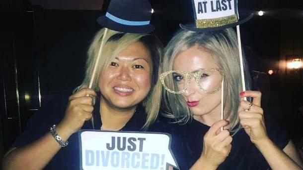 В Instagram з'явився новий тренд: пари кумедно фотографуються після розлучення