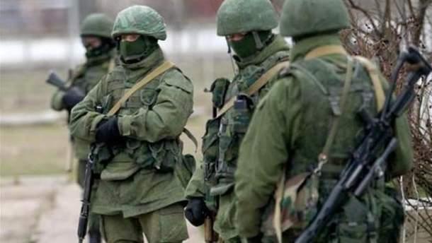 Российское руководство запретило своим военным на Донбассе носить шевроны