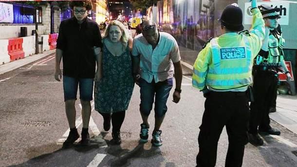 Внаслідок наїзду вантажівки в натовп людей в Лондоні зросла кількість постраждалих