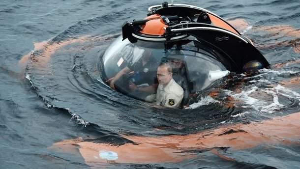 Почему Путин не тонет: версии от Шендеровича