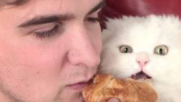 Кот Каспер и его хозяин