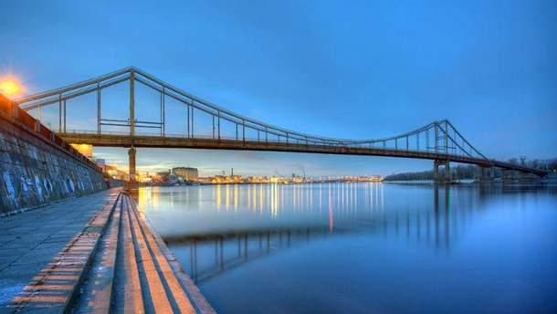 Пешеходный мост в Киеве