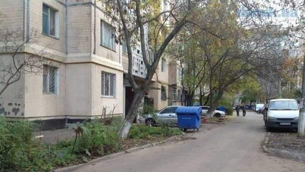Лифт с двумя женщинами и ребенком оборвался в Одессе