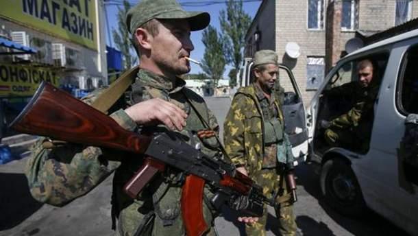 Російські пропагандисти знімають на Донбасі брехливі ролики про сили АТО