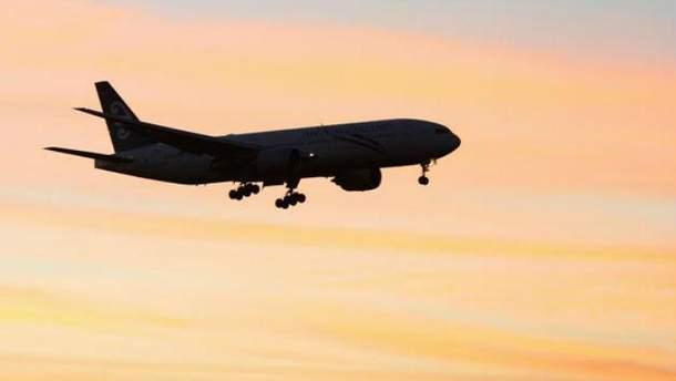 З радарів зник військовий літак М'янми