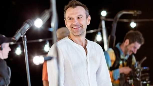 Святослав Вакарчук прокомментировал потерю голоса в Полтаве