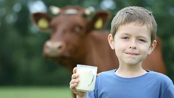 Коровье молоко положительно влияет на детей