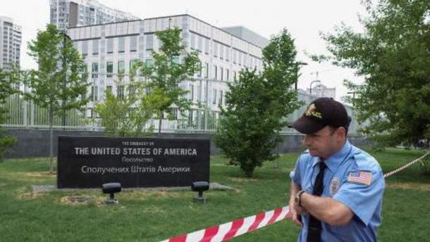 Вибух  біля посольства США: яку мету переслідували хулігани?