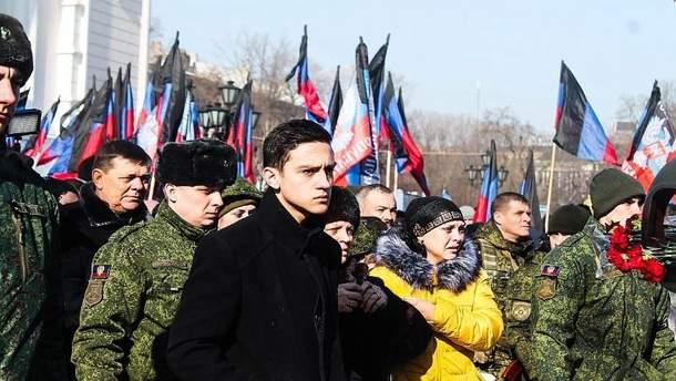 Сергей Толстых закончил школу в оккупированном Иловайске