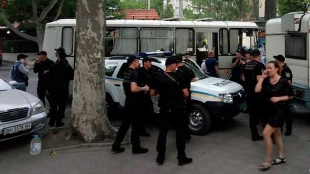 Правоохоронці перед початком концерту Ірини Білик в Одесі