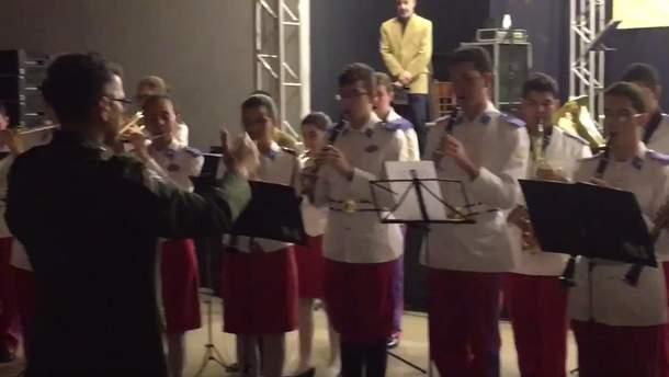 Виконання Гімну України в Бразилії