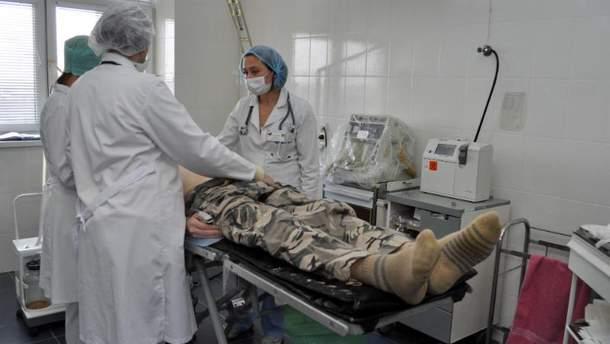 Порошенко подписал закон по усилению защиты раненых военных
