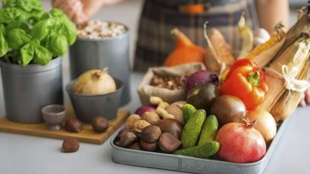 Як правильно харчуватись влітку: корисні поради що їсти в спеку