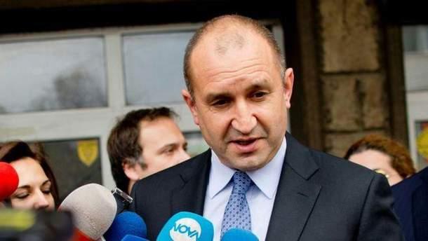 Президент Болгарии хочет снять санкций против России