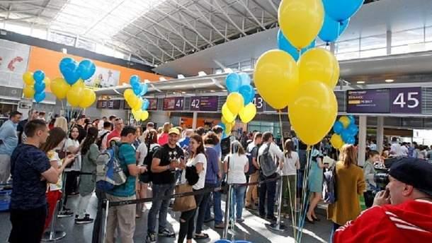 """Українці зможуть подорожувати до країн зони """"Шенген"""" без віз"""
