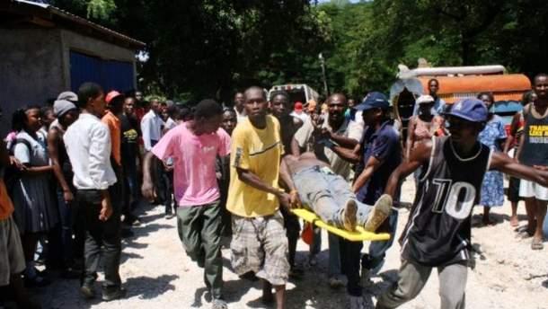 Фото с места аварии в Гаити