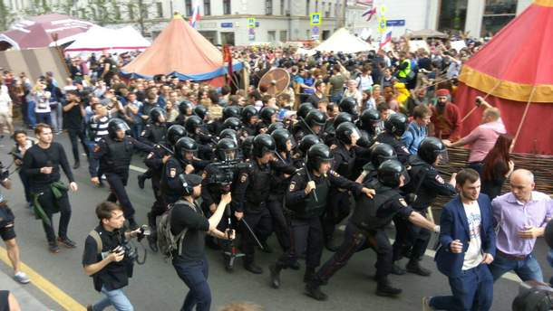 День России: в федерации продолжаются массовые антикоррупционные митинги