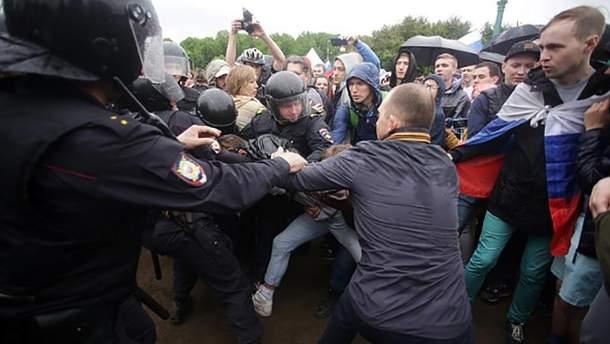 Массовые задержания во время антикоррупционных акций протеста в России