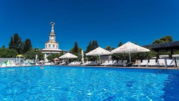Пляжі та відкриті басейни Києва: ціни, недоліки та переваги
