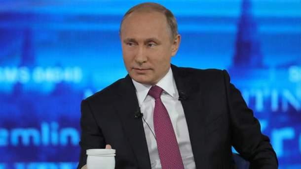 Путин уже пятнадцатый раз отвечает на вопросы россиян