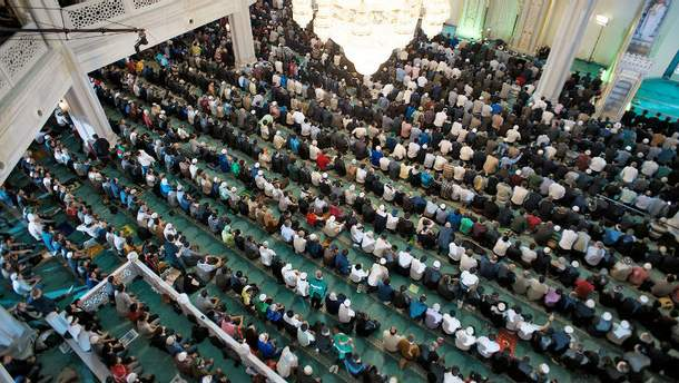 Молитва в мечеті (Ілюстрація)