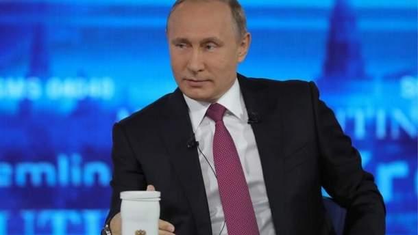 Путин симулирует взаимодействие между народом и руководством Кремля