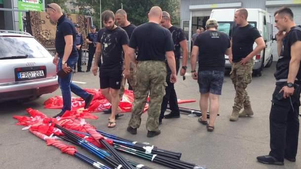 """Националисты помешали проведению акции """"Вас приветствует проспект Ватутина!"""""""